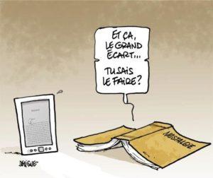L'éternelle rivalité entre le livre papier et l'e-book (livre numérique).